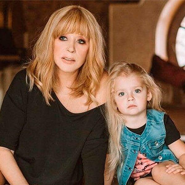 Максим Галкин показал, как Алла Пугачева поет песню их 5-летней дочери Лизе