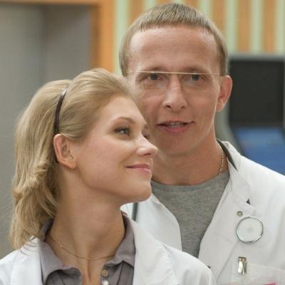 Иван Охлобыстин поддержал Кристину Асмус, которая столкнулась с травлей из-за постельных сцен в фильме «Текст»
