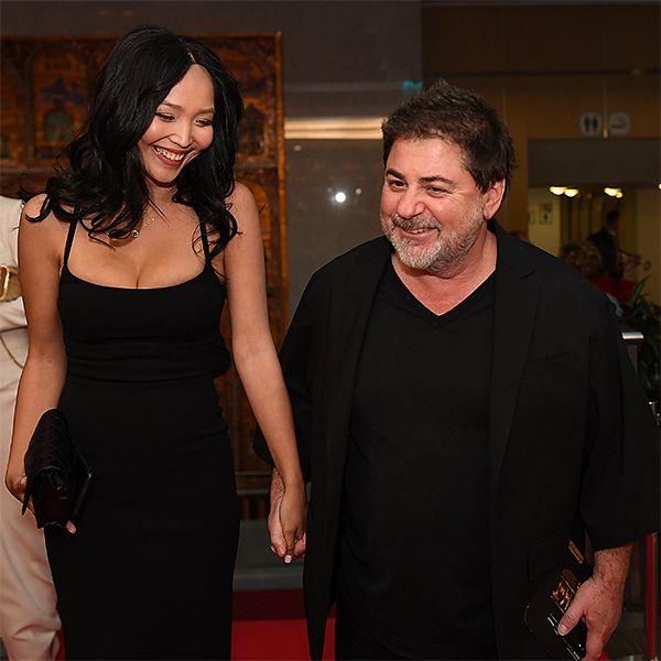 58-летний Александр Цекало и его молодая жена Дарина Эрвин были замечены в элитном центре планирования семьи