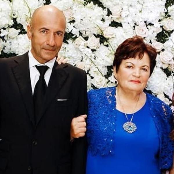 Игорь Крутой устроил для своей 85-летней мамы ужин в ресторане