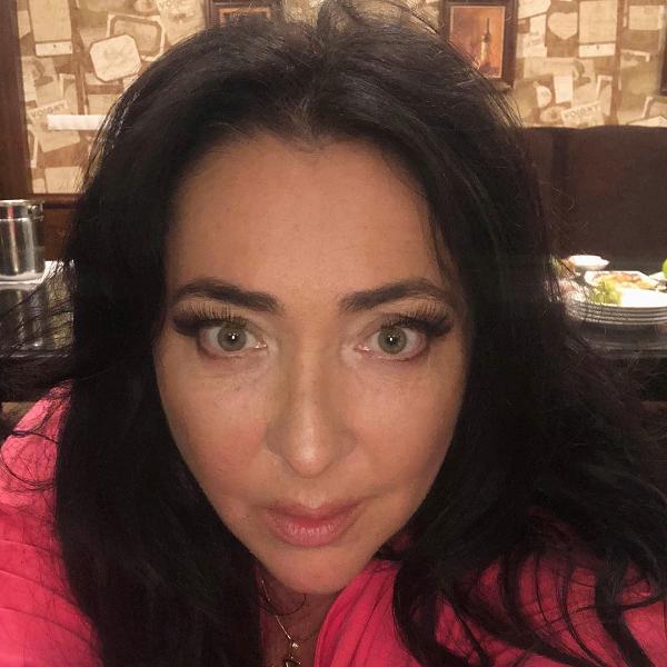 55-летняя Лолита Милявская заявила, что не разводится со своим молодым супругом