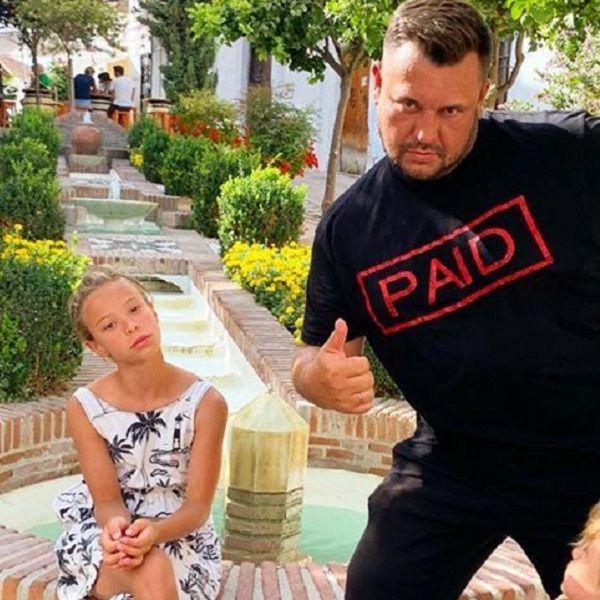 10-летняя дочь лидера группы «Руки вверх» Сергея Жукова выпустила клип