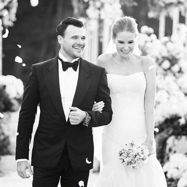 Эмин Агаларов трогательно поздравил жену с первой годовщиной свадьбы
