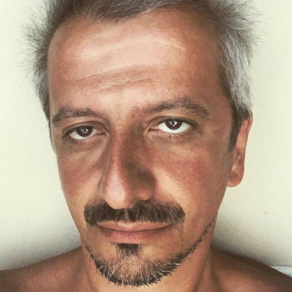 Константин Богомолов резко ответил хейтерам, распространяющих недостоверные сведения о его театральной деятельности