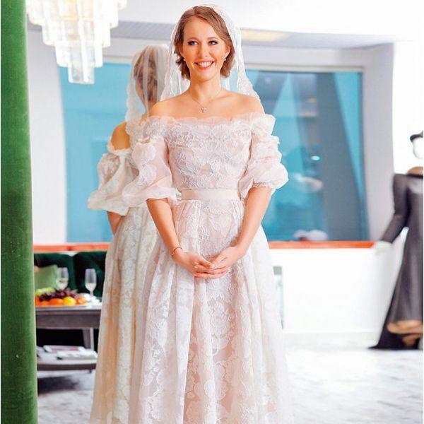 Появилось фото свадебного платья Ксении Собчак, в котором она выйдет замуж за Константина Богомолова