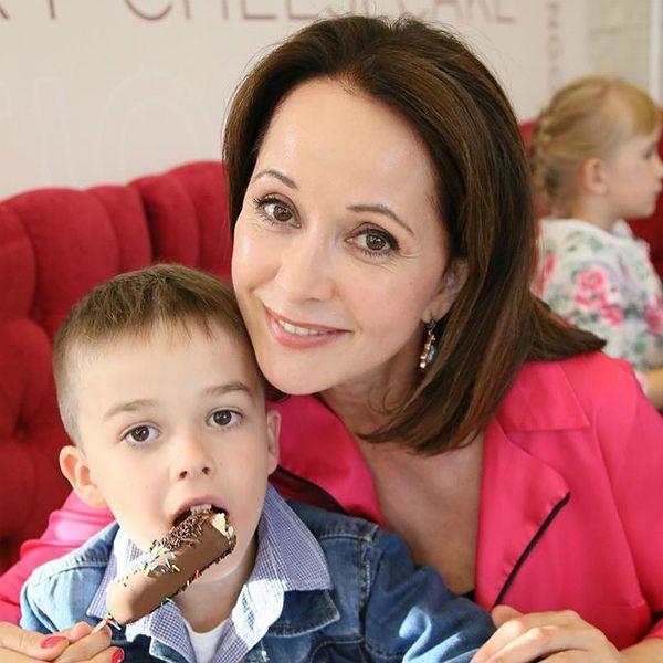 51-летняя Ольга Кабо трогательно поздравила сына с 7-летием