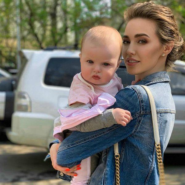 Анастасия Костенко рассказала, как они с Дмитрием Тарасовым будут отмечать первый день рождения дочери