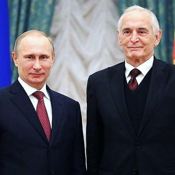 Владимир Путин присвоил 85-летнему Василию Лановому звание Героя Труда
