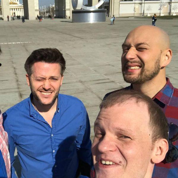 Сева Москвин заявил, что скрыл от коллег по пранк-шоу «Шутники» свое участие в проекте СТС «Русские не смеются»