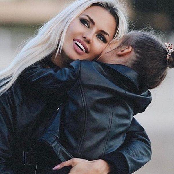 Виктория Боня жестко ответила хейтерам, раскритиковавших ее дочь за неправильную технику верховой езды