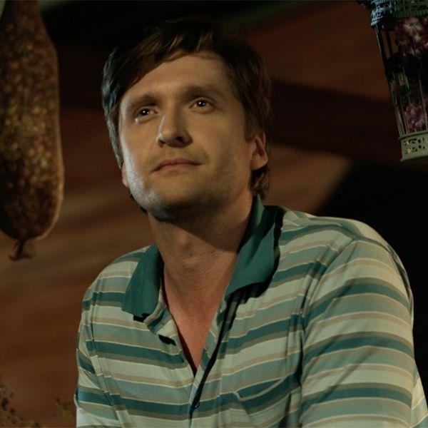 Звезда сериала «Цыганка» Дмитрий Пчела рассказал, как его обворовали на вокзале