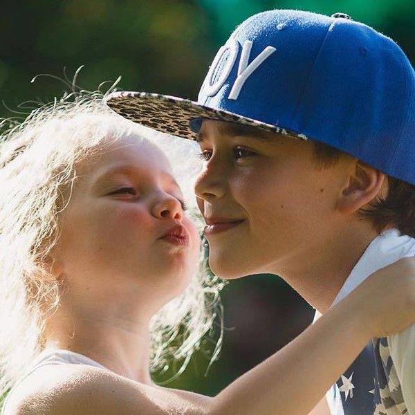 Максим Галкин поделился нежным фото дочери Лизы с ее двоюродным братом