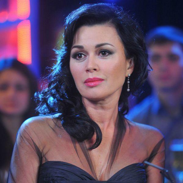 Пациентка одной с Анастасией Заворотнюк клиники заявила, что актриса умирает от рака мозга