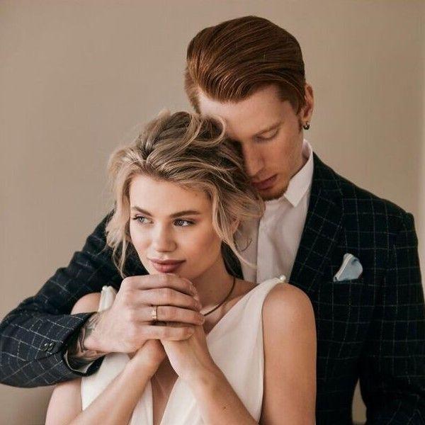 Никита Пресняков опубликовал романтичное видео с празднования годовщины их с Аленой Красновой свадьбы