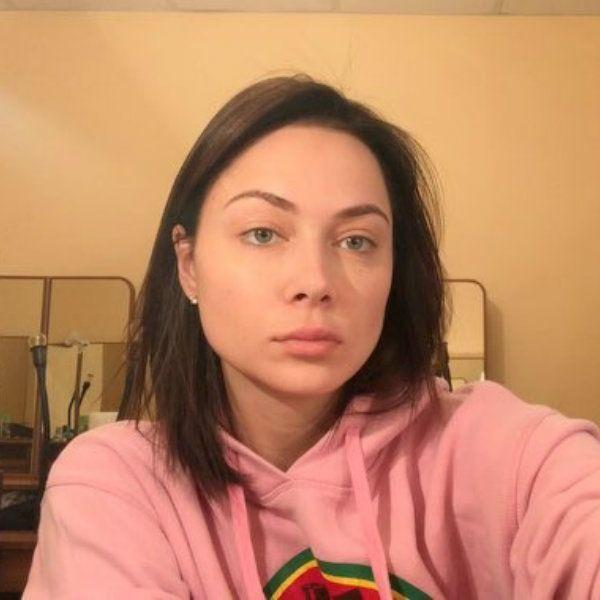 Заявившая о намерении построить карьеру певицы Настасья Самбурская получила первую музыкальную награду