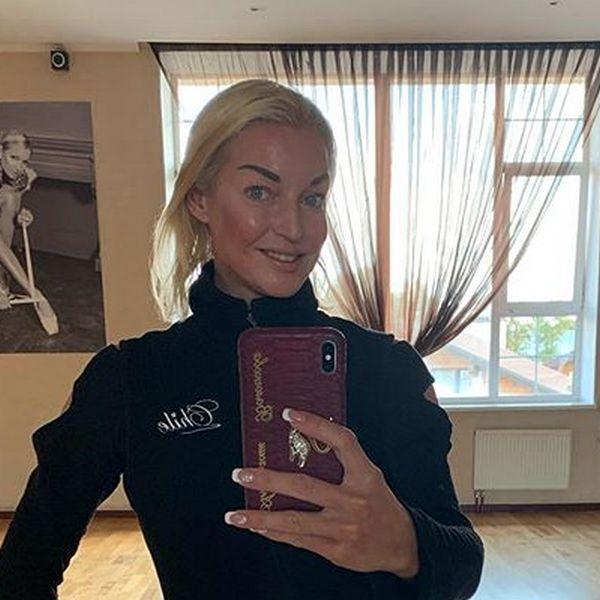 Анастасия Волочкова рассказала, почему отклонила приглашение на свадьбу Ксении Собчак и Константина Богомолова
