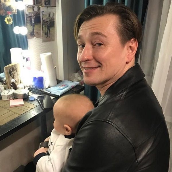 Сергей Безруков поделился умилительным фото своих детей