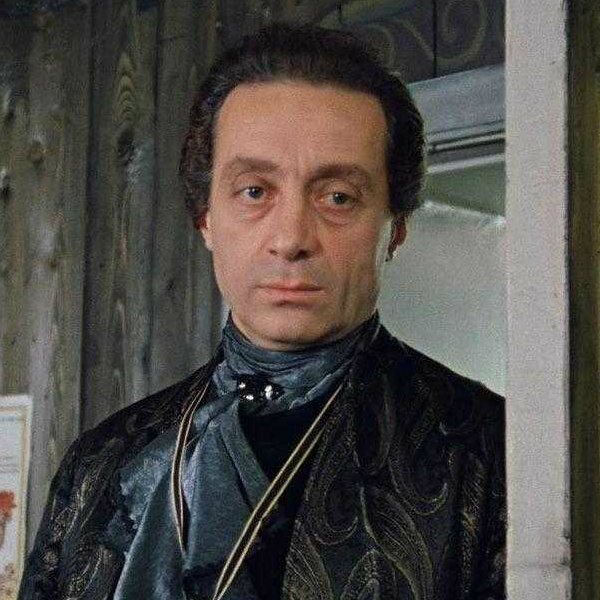 Умер сыгравший графа Калиостро в «Формуле любви» Нодар Мгалобишвили