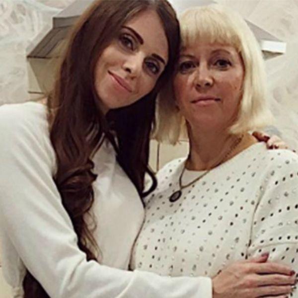 Звезда «Дома-2» Ольга Рапунцель заявила, что мать набросилась на нее с кулакам на съемках шоу «Бородина против Бузовой»