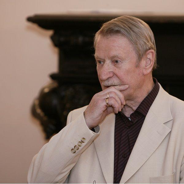 Лишенный жилья 88-летний Иван Краско собрался в дом престарелых