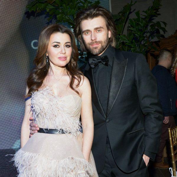 Близкие Анастасии Заворотнюк поздравили актрису и ее мужа Петра Чернышева с 11-й годовщиной венчания