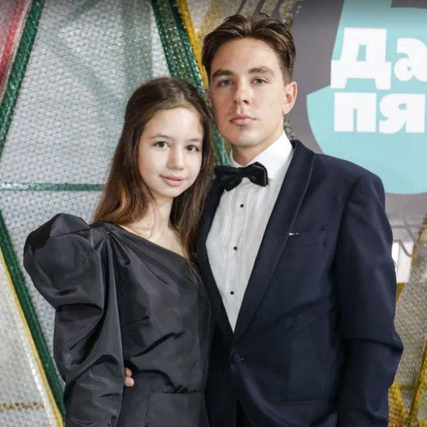 16-летняя звезда «Закрытой школы» Луиза-Габриэла Бровина впервые вышла в свет с 23-летним возлюбленным