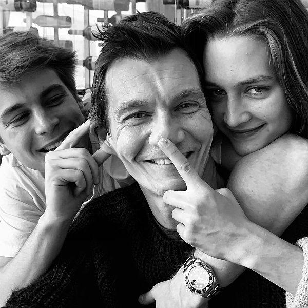 Оксана Фандера опубликовала редкие фото Филиппа Янковского с детьми в честь его дня рождения