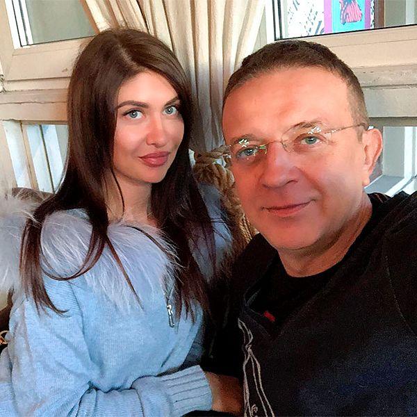 Любовница Ромы Жукова обвинила жену музыканта в избиении