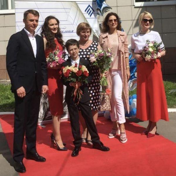 Бывшие супруги Екатерина Климова и Игорь Петренко вместе пришли на выпускной к младшему сыну