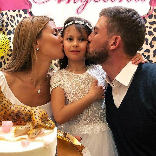 7-летняя дочь Виктории Бони расплакалась из-за того, что соскучилась по отцу