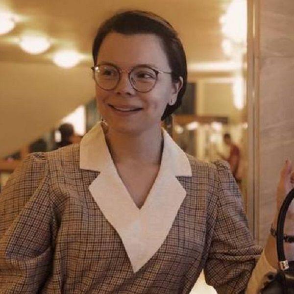 Молодая возлюбленная Евгения Петросяна жестко ответила хейтерам, осудившим ее за хвалебный отзыв о книге Алены Водонаевой
