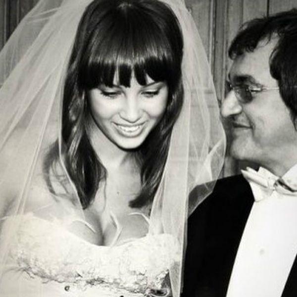 Жена Дмитрия Диброва показала архивные фото из загса в честь годовщины свадьбы с телеведущим
