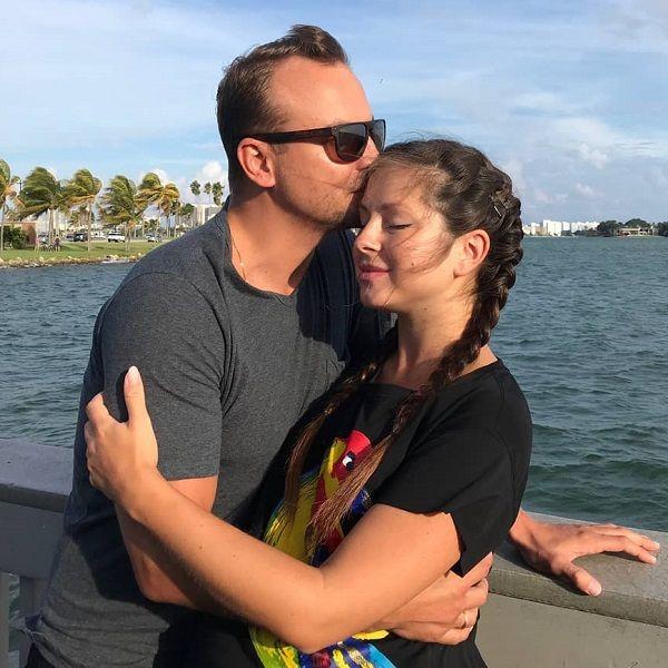 Муж Нюши опубликовал трогательное фото жены с 5-месячной дочкой