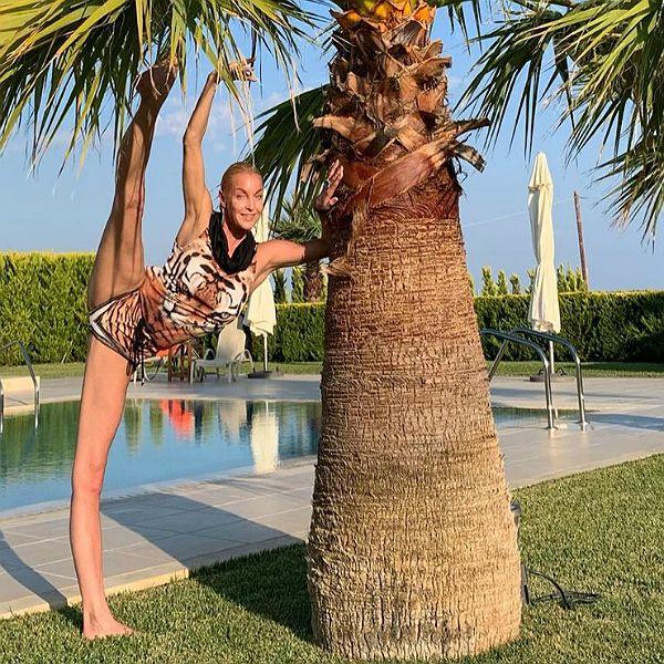 Анастасия Волочкова опубликовала видео с отдыха на частной вилле в Греции
