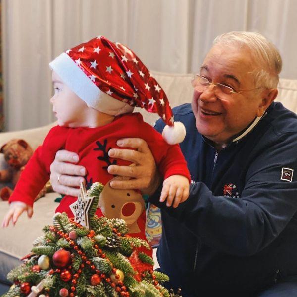 Евгений Петросян назвал своего сына от Татьяны Брухуновой главным итогом  ушедшего года - Вокруг ТВ.