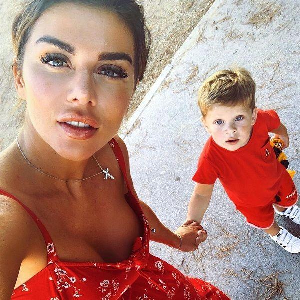Анна Седокова пожаловалась, что не смогла устроить своего 2-летнего сына в государственный детский сад