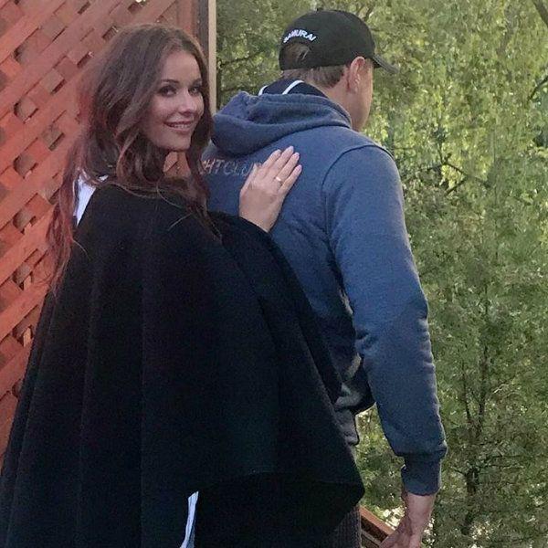 Оксана Федорова опубликовала редкое фото с мужем в годовщину свадьбы -  Вокруг ТВ.