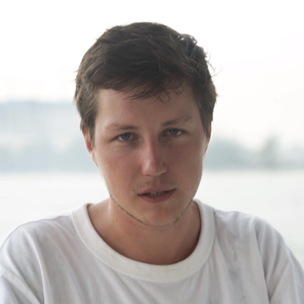 На онлайн-платформе PREMIER стартовал проект об эмиграции «Хочу сибаса»