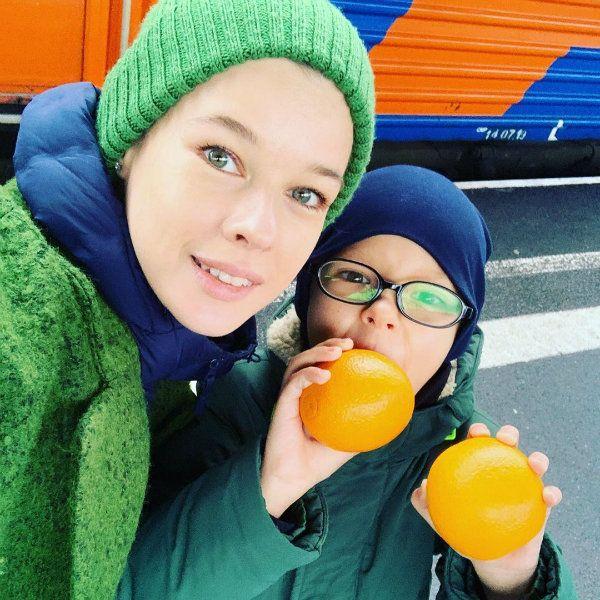 Катерина Шпица взяла сына-первоклассника на кинофестиваль в Адлере