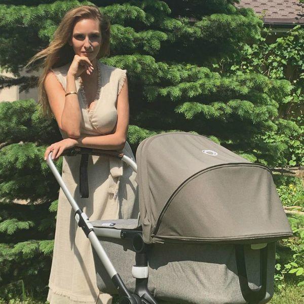 Звезда «Полицейского с Рублевки» Софья Каштанова показала, как гуляет с 5-месячным сыном