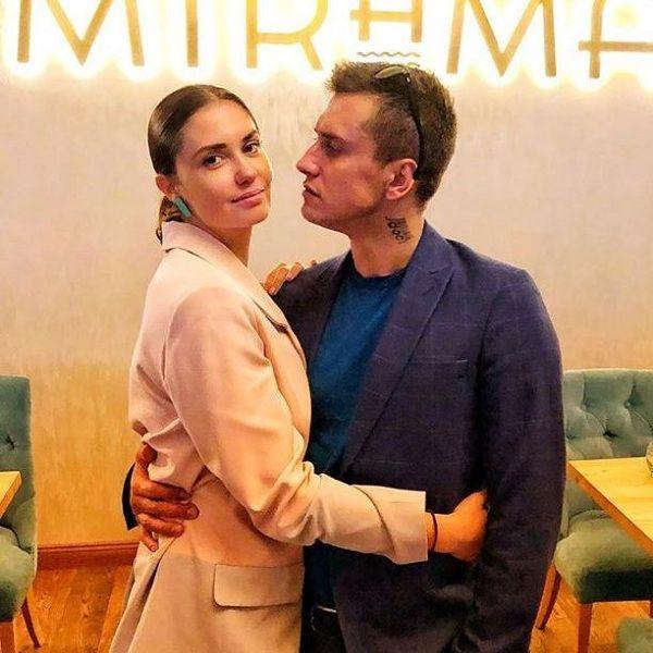 Агата Муцениеце отказалась публично признаться Павлу Прилучному в любви в честь восьмой годовщины семейной жизни