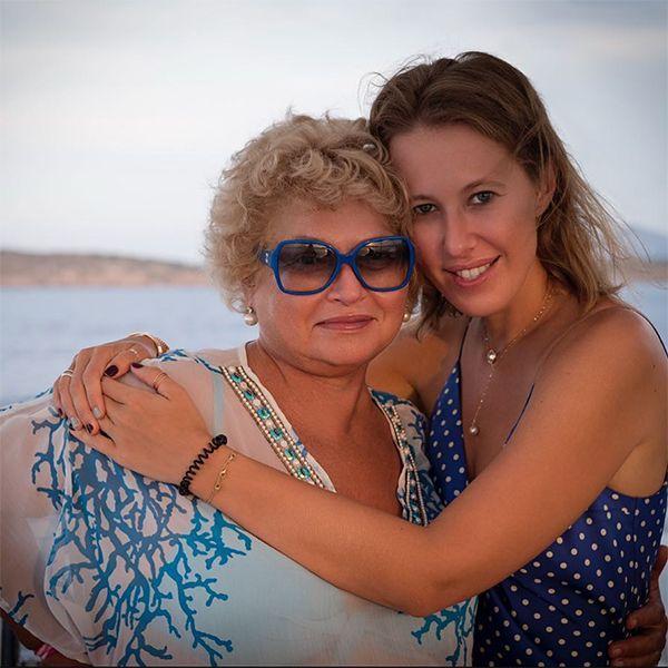 Ксения Собчак трогательно поздравила с днем рождения маму, с которой у нее непростые отношения