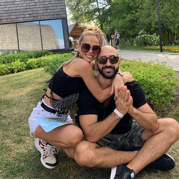 Анна Хилькевич с мужем отправились на отдых без детей