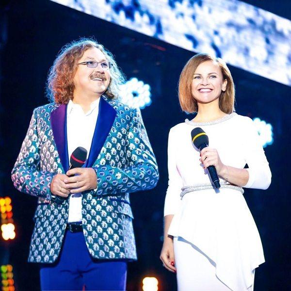 Игорь Николаев и его молодая жена Юлия Проскурякова дебютировали в качестве ведущих