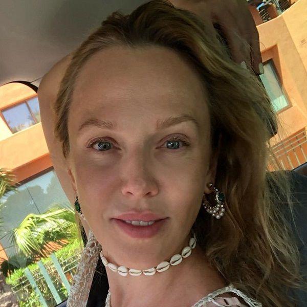 40-летняя Альбина Джанабаева опубликовала фото без макияжа с отдыха в Испании
