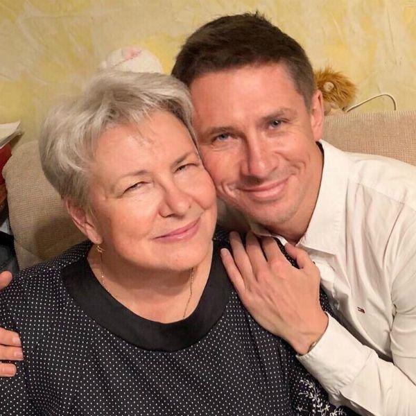 Тимур Батрутдинов трогательно признался матери в любви в день ее рождения