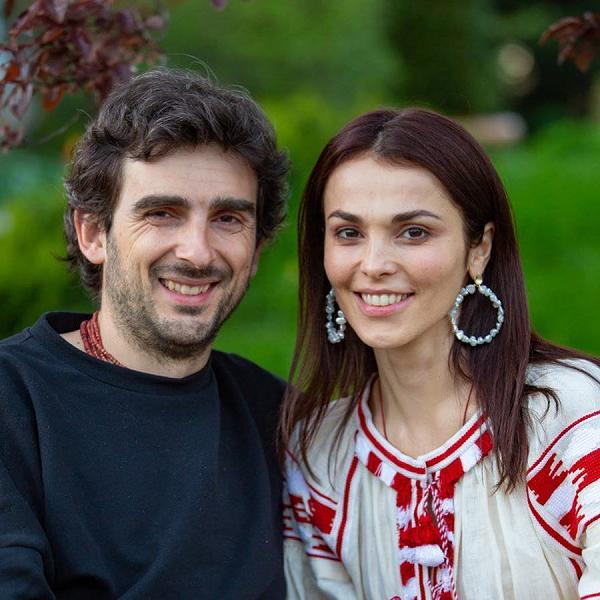 Сати Казанова переезжает в Италию на родину мужа