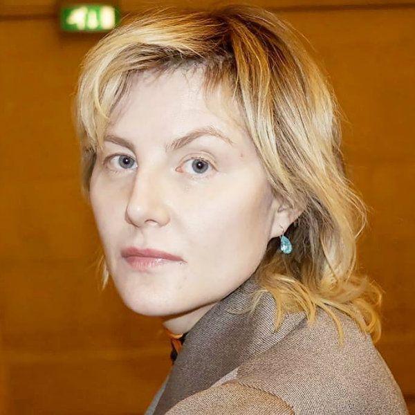 52-летняя Рената Литвинова опубликовала фото без макияжа