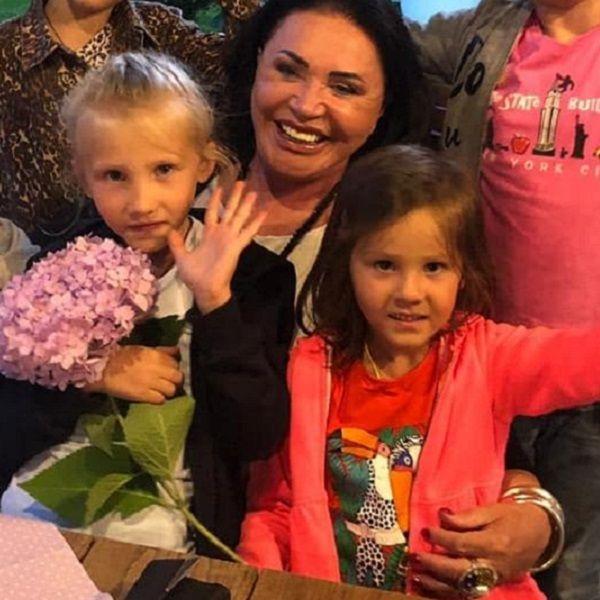 Надежда Бабкина показала фото с празднования дня рождения ее внучки