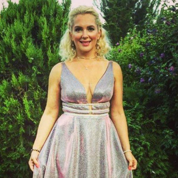45-летняя Мария Порошина вышла в свет в роскошном наряде